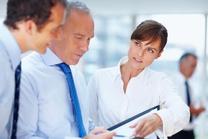 keine Theoretiker sondern Praktiker, 3 Businessleute die organisieren